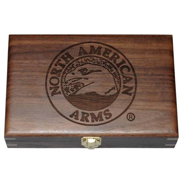 Револвер NAA-22MC-C cal. 22 Mag с дървена кутия
