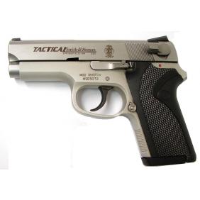 "Пистолет модел 3913 TSW    ""Смит и Уесън"""